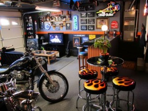 harley home 300x225 10 Ultimate Man Caves