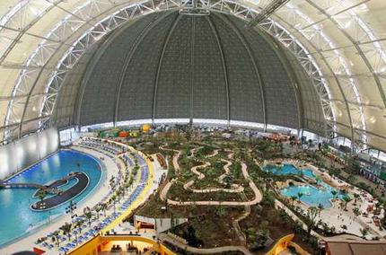 tropicalislands wideweb The World's Biggest Buildings!