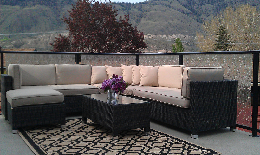 Keep your outdoor dining set spot free with coverings and protective finishing