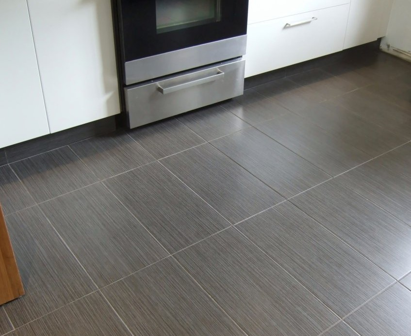 Wood Grain Porcelain Tile Made For Kitchen Flooring
