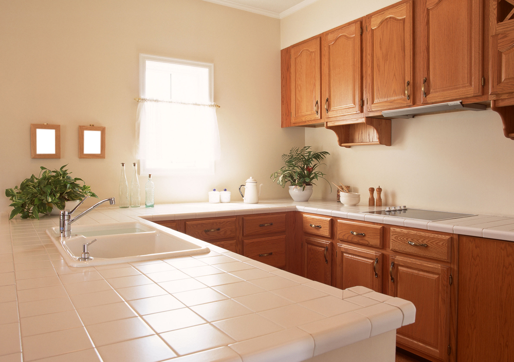 small kitchen uncluttered counters 8 Things You DONT Need In Your Kitchen