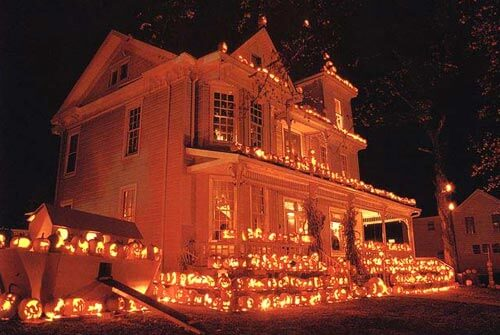 11 Craziest Halloween Decorated Homes Builddirect Blog
