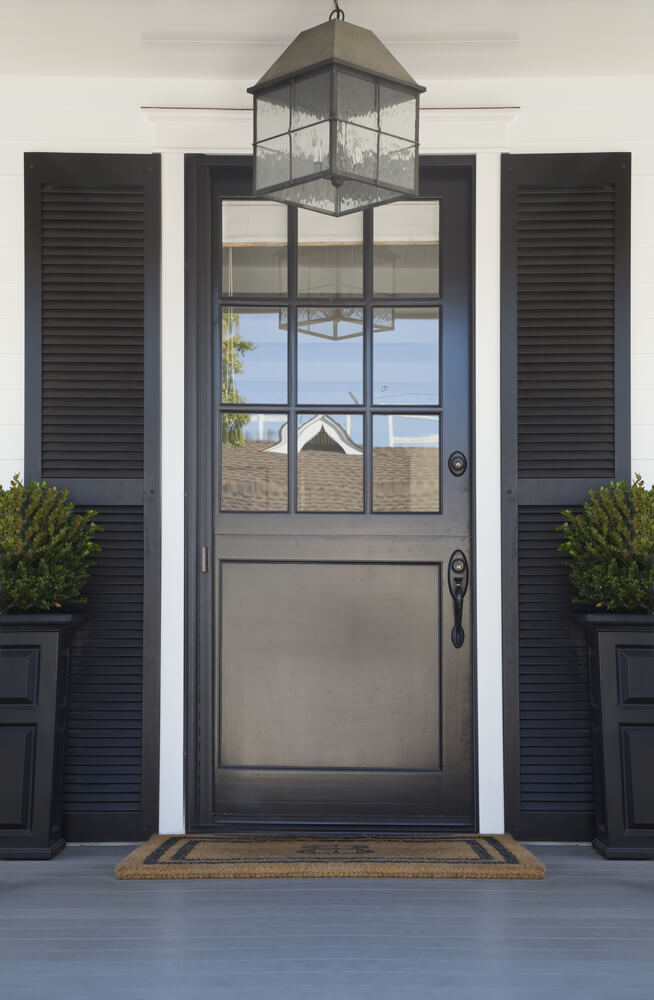Doors and natural light 5 smart choices to make for Front entrance storm doors