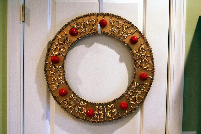 macaroni diy christmas wreath
