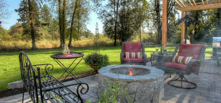 traditional patio in fall