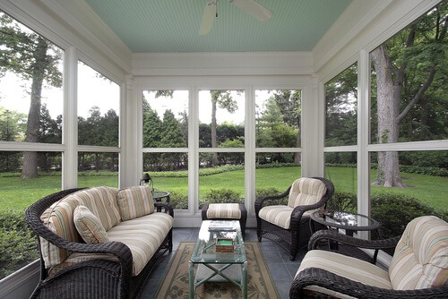 How to create a bug free porch for Screened porch furniture layout