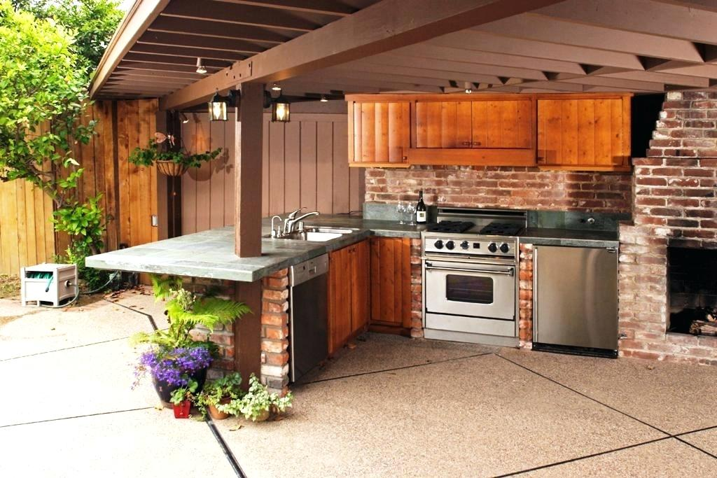 Outdoor Kitchen Backsplash Ideas and Steps to Consider to ...