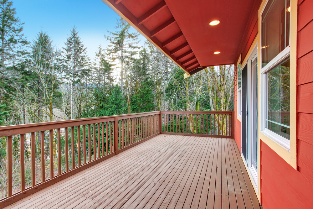 wooden-deck-railings-red-house