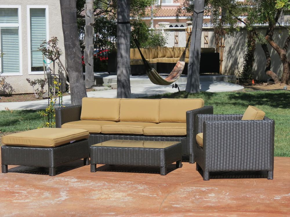 How to Protect Your Outdoor Furniture When its Not in Use