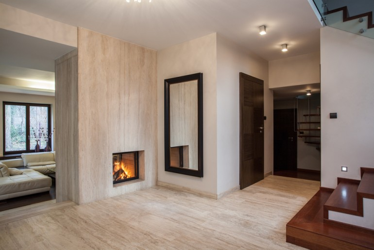 Elegant Marble Vs. Travertine Tiles: Whatu0027s The Difference?