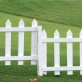white-picket-fence-green-grass
