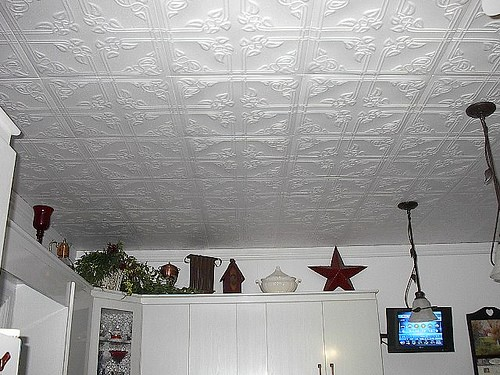 How to install glue on ceiling tiles