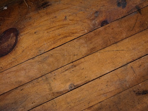 What is handscraped hardwood