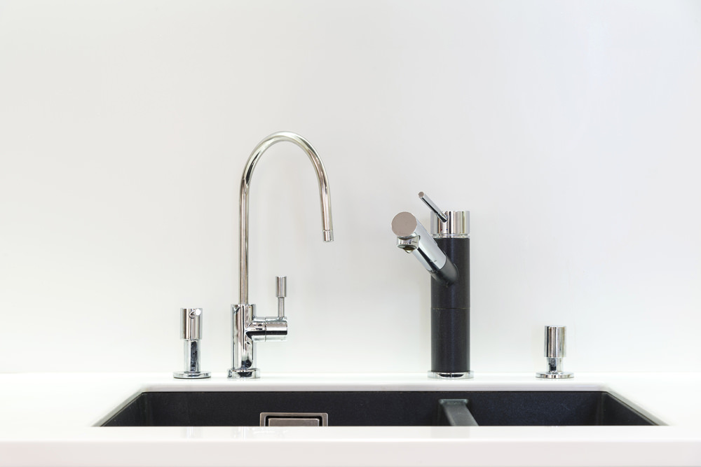 an introduction to kitchen faucets different types amp kinds of basic kitchen faucets water