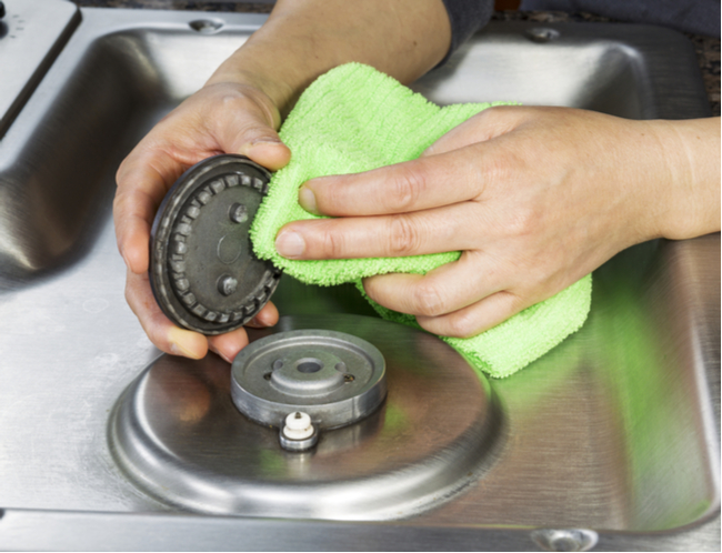 cleaning gas burners
