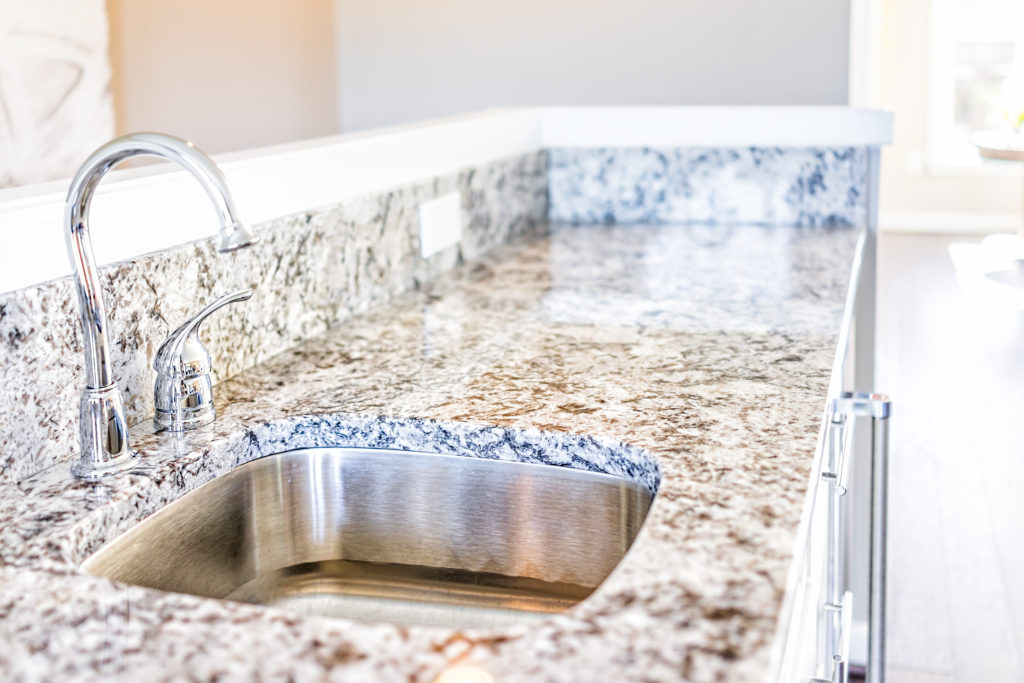 Granite Vs Quartz Countertops What S The Difference Learning Center